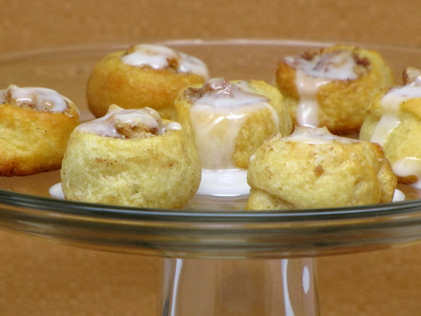 Mini Cinnamon Nut Rolls