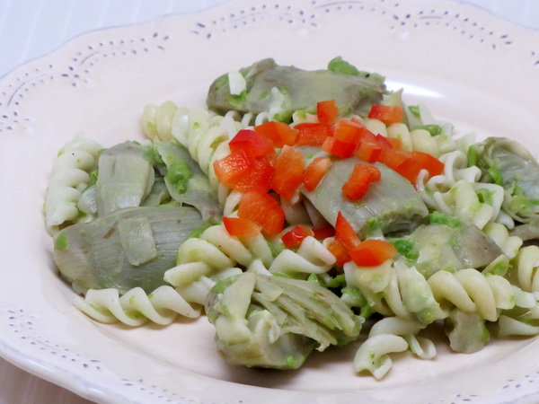 Pasta and Artichoke Hearts in Green Sauce