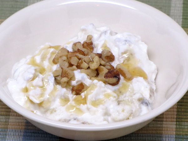 Bananas with Yogurt and Honey