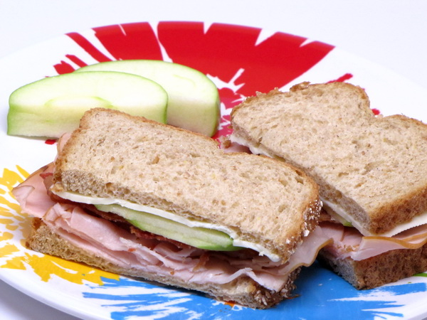 Turkey Sandwich with Apples