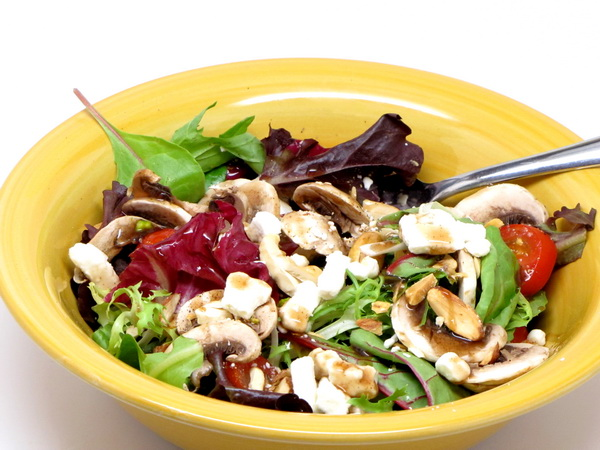 Goat Cheese and Mixed Nut Salad