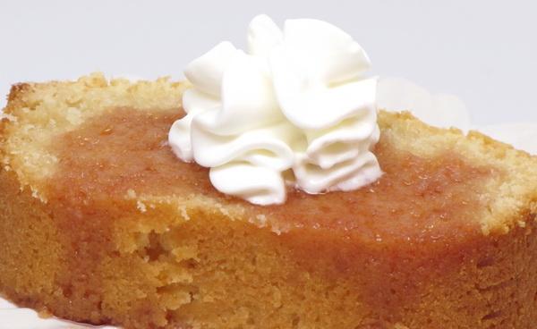 Poundcake with Cinnamon Sauce